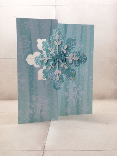 handmade Christmas card created with the Snowflake Card Thinlit