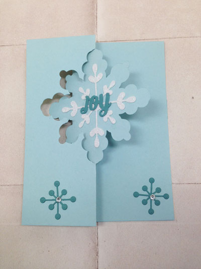 hand crafted Christmas card created with the Snowflake Card Thinlit Dies